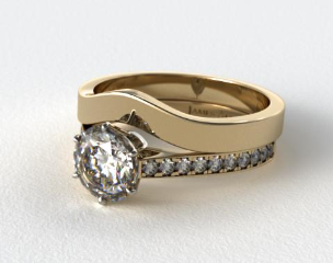18k Yellow Gold 2.6mm Six Prong Pave Diamond Engagement Ring & 2.7mm Curved Wedding Band