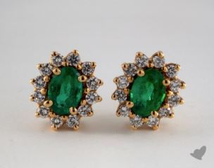 18K Yellow Gold Starburst 0.88tcw Green Oval  Emerald and Diamond Earrings.